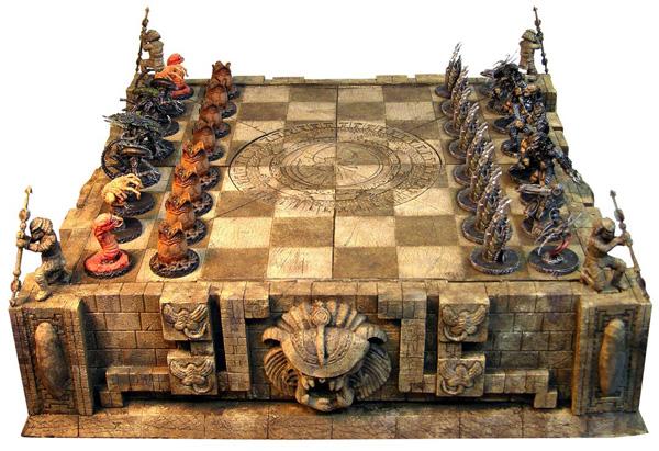 aliens-chess-set
