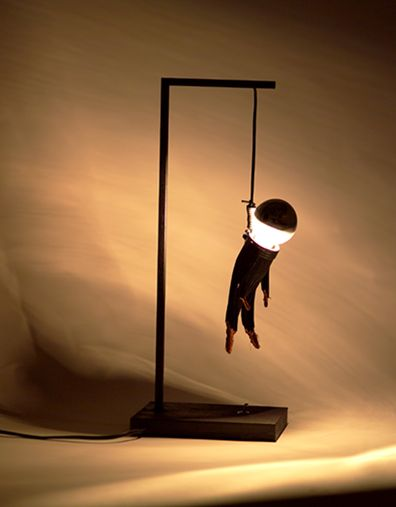 colgao-hangman-lamp