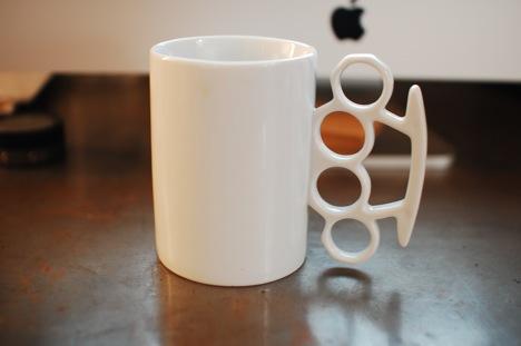 knuckle duster Mug!