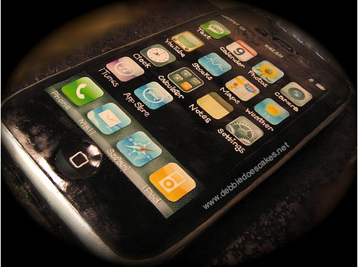 iphone-birthday-cake
