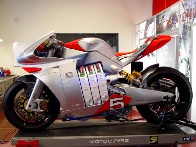 motoczysz-erpc-iphone-superbike-2